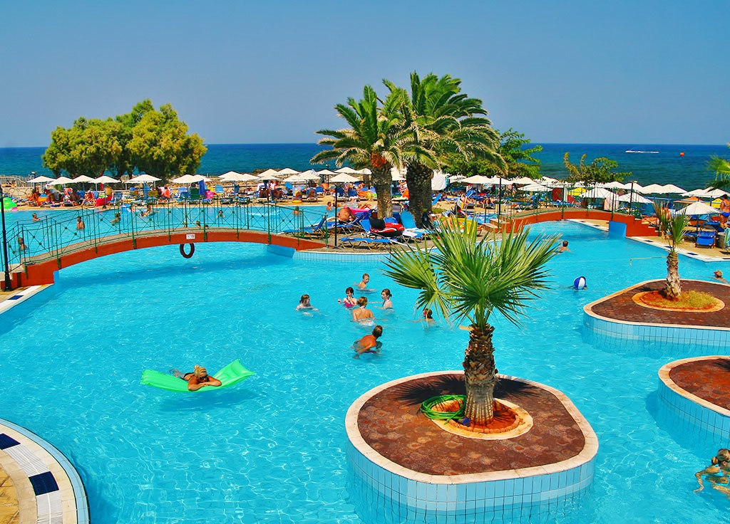 Eri Beach & Village Hotel 4★